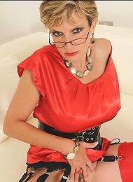 Pussy spread milf^Lady Sonia Femdom porn xxx sex free pics picture pictures gallery galleries femdom domination female