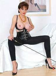 Mature busty in latex^Lady Sonia Femdom porn xxx sex free pics picture pictures gallery galleries femdom domination female