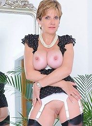 Long mature legs^Lady Sonia Femdom porn xxx sex free pics picture pictures gallery galleries femdom domination female