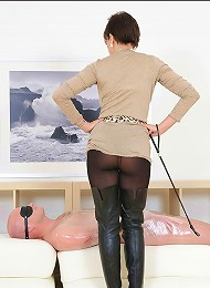 Dominant in boots^Lady Sonia Femdom porn xxx sex free pics picture pictures gallery galleries femdom domination female