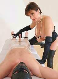 Busty booted dominatrix^Lady Sonia Femdom porn xxx sex free pics picture pictures gallery galleries femdom domination female